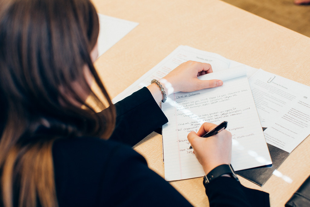 choosing-a-font-resume-girl-writing
